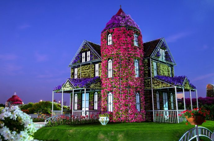 Дом из цветов в Дубай Миракл Гарден