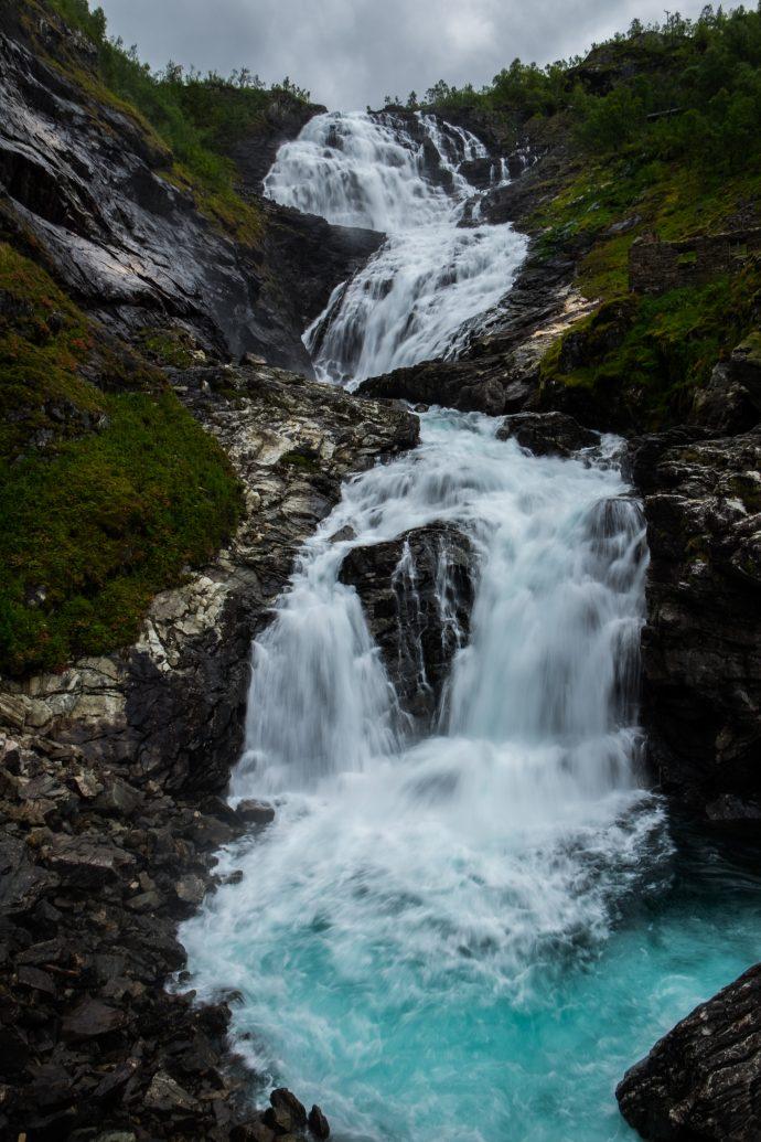 Уникальные водопады планеты, которые стоит посетить