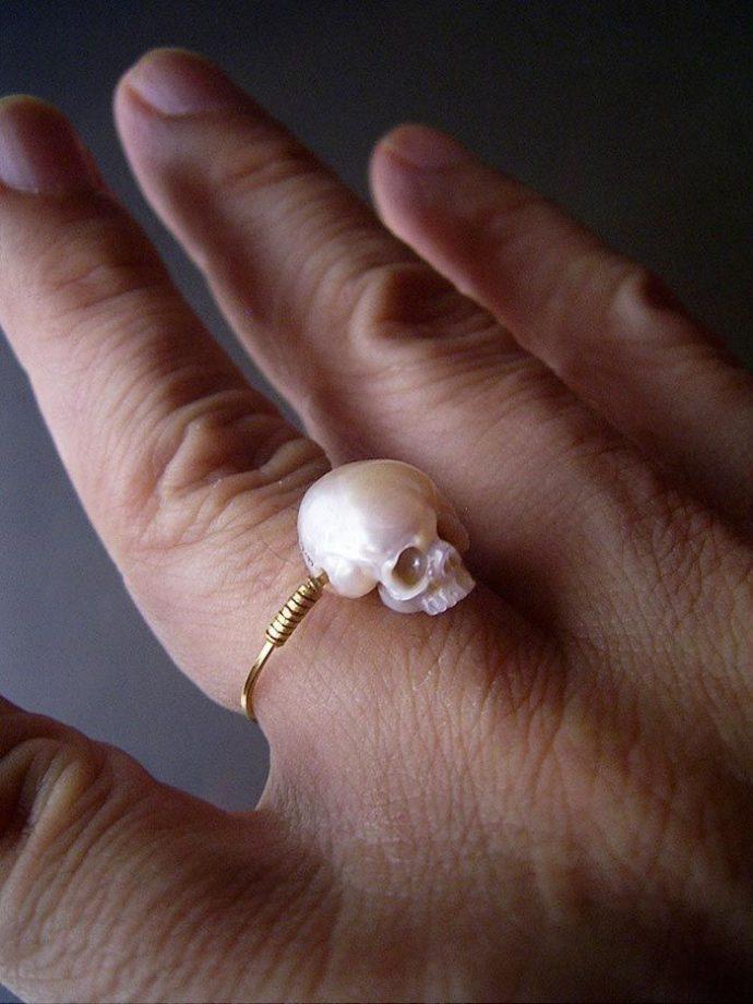 черепа из жемчуга рис 3