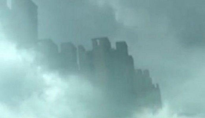 Мираж небоскребов в Фошань в октябре 2015 года