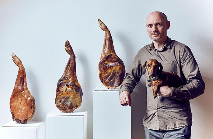 world-first-dog-art-exhibition8