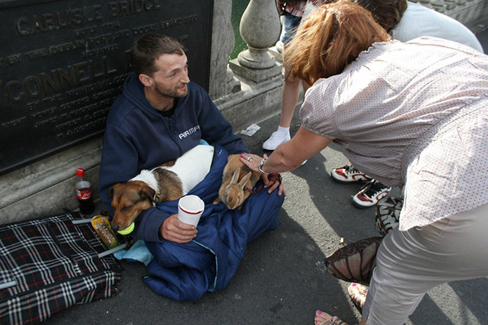 homeless-dogs-unconditional-love-best-friend-37__700
