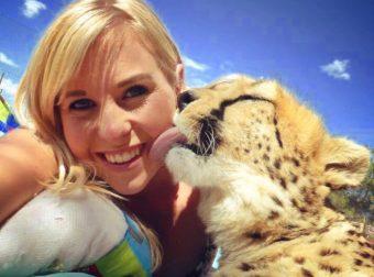 Молодая девушка спасла от смерти десятки гепардов-сироток… А одному мурлыке даже подарила дом!