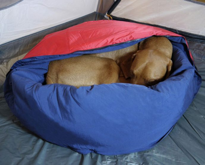 Portable-2-in-1-Dog-Bed-Sleeping-Bag-4