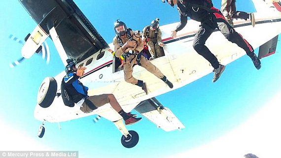 skydiving-dog-2