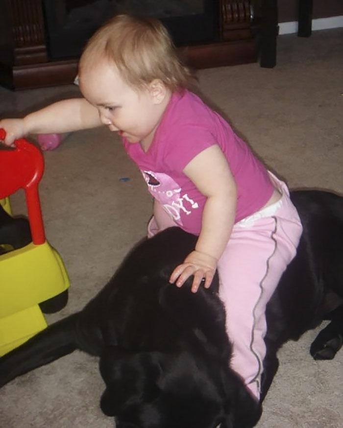 Её отговаривали все! Но эта мать всё равно подарила щенка дочке - и вот что из этого вышло! рис 2
