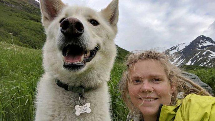 Хаски дважды спас глухую девушку, упавшую в реку на Аляске! Умный пёс, одно восхищение...) рис 3