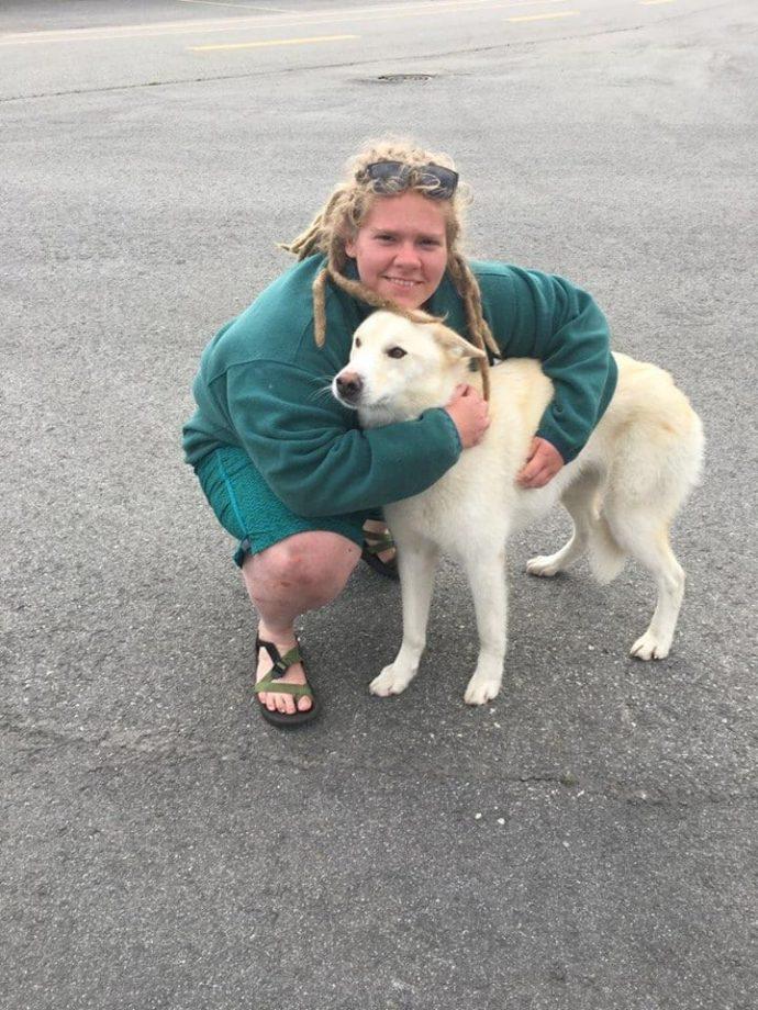 Хаски дважды спас глухую девушку, упавшую в реку на Аляске! Умный пёс, одно восхищение...) рис 10