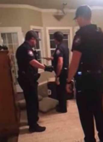 полиция в доме