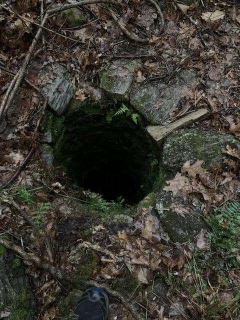 яма в земле