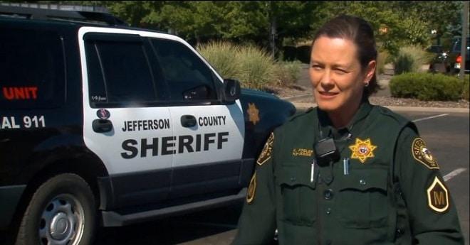 Женщина шериф