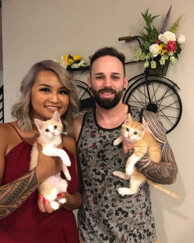 Люди с котами