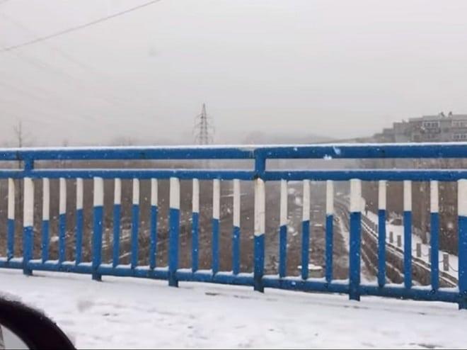 Заснеженный мост