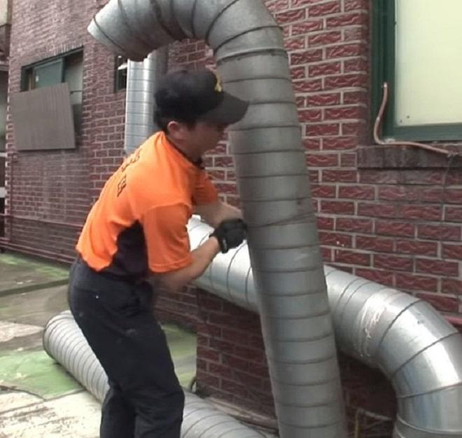 Мужчина с трубой