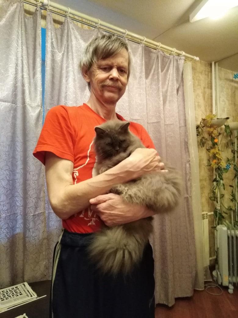 хозяин с кошкой